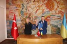 Пiдписання офiцiйного договiру про спiвпрацю з МВЕ Академi (Турецька Республiка)