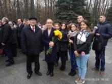 Церемонія покладання квітів на Меморіалі Слави