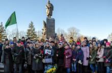 Покладання квітів до пам'ятника Т.Г. Шевченку з нагоди Дня Соборності України